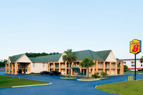 Photo of Super 8 Motel  Darien/I95