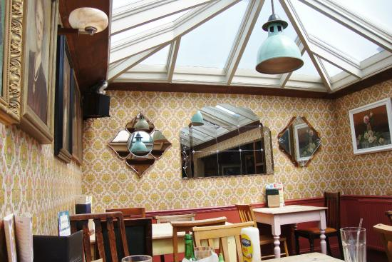 Open 7 days a week picture of deco lounge bristol tripadvisor - Deco loungeeetkamer ...