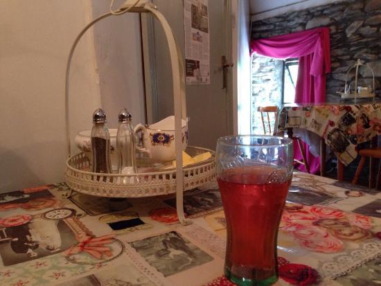 The Sugarshack Cakery: Beau salon de thé, accueil très chaleureux, bonne pizza. Décor réusai dans ses moindres détails.