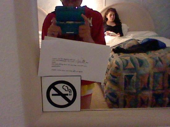 Jetty Motel: Mirror