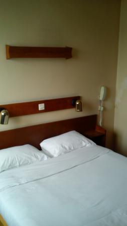 Hôtel Saint Jean: Le lit