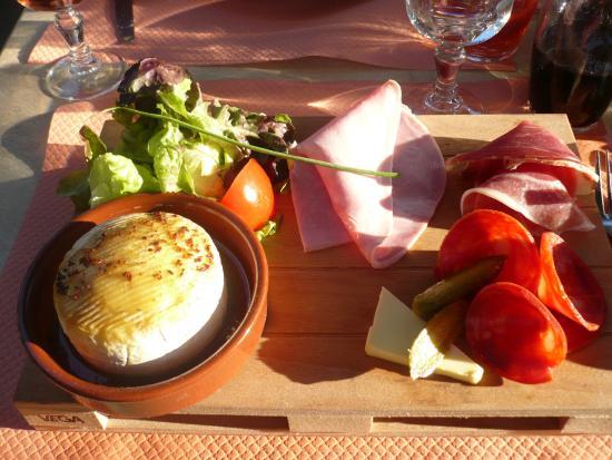 Les Terrasses du Lac : plancha de camembert, un délice !