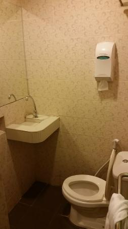 yomi hotel tiny bathroom - Bathroom Accessories Kota Kinabalu