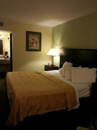 Huntingburg, IN : room 123