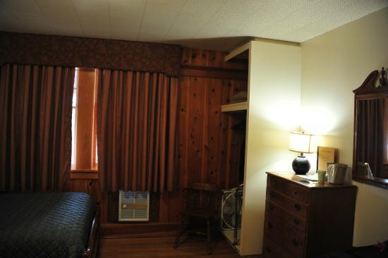 Basique Foto Van Rising Sun Motor Inn And Cabins East