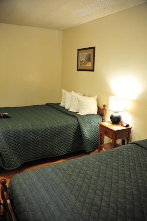 Basique bild fr n rising sun motor inn and cabins east for Rising sun motor inn cabins