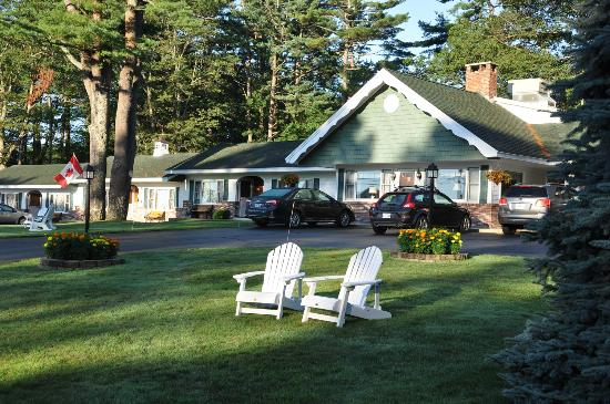 Towne Lyne Motel: Relax in our Adirondacks
