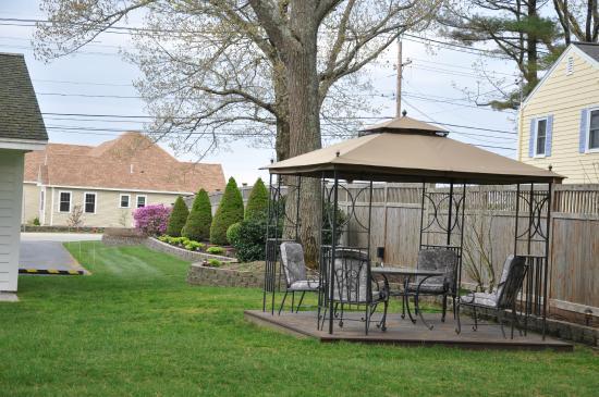 Towne Lyne Motel: Outdoor seating