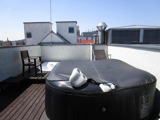Downtown Apartments Budapest : Outdoor area Wirlpool