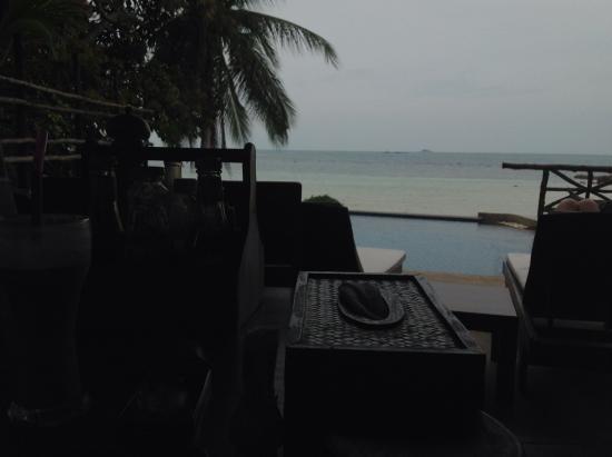Beyond The Blue Horizon Villa Resort: In the restaurant at breakfast