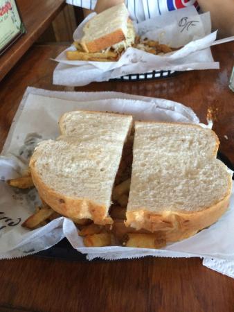 Lucky's Sandwich Company: Sandwich