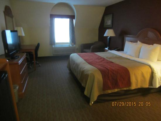 Comfort Inn: King size bed