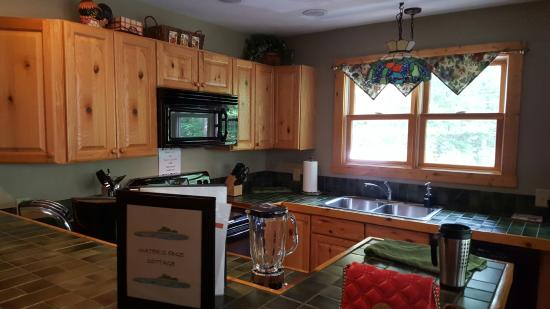 Very nice kitchen picture of cherry ridge retreat new for Really nice kitchen designs