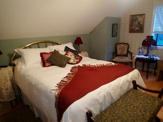 Tea Cozy Bed & Breakfast: Our room