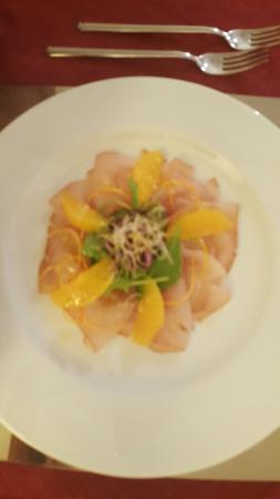 Hotel Ristorante Bel Sit: Carpaccio di pesce spada strepitoso. ...filetto anche meglio e per finire zabaione caldo !!!!!