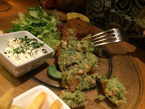 Godot's Brasserie: 'salmon' fishcakes.