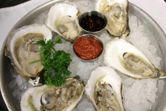 Ken Stewart's Lodge: Oysters