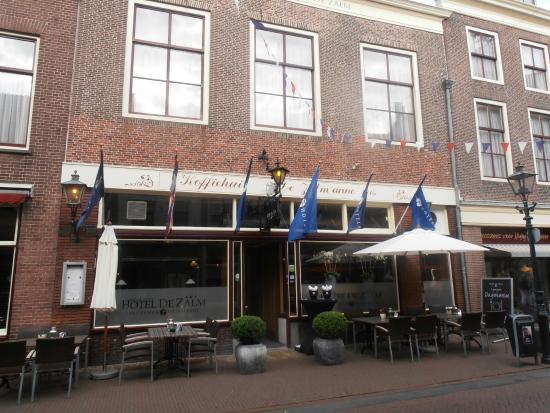 Fletcher Hotel-Restaurant De Zalm : Terras hotel de Zalm