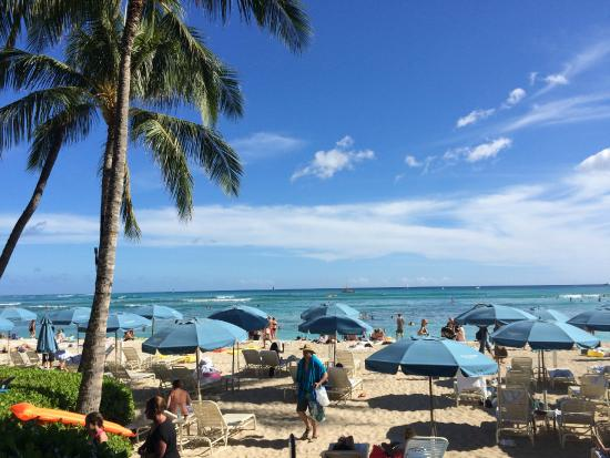 Moana Surfrider A Westin Resort Spa Waikiki Beach Chairs And Umbrellas For
