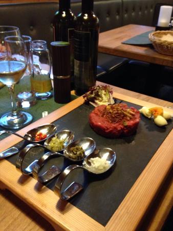 Alpengasthof Gruner : Steak tartare at Alpengasthof Grüner