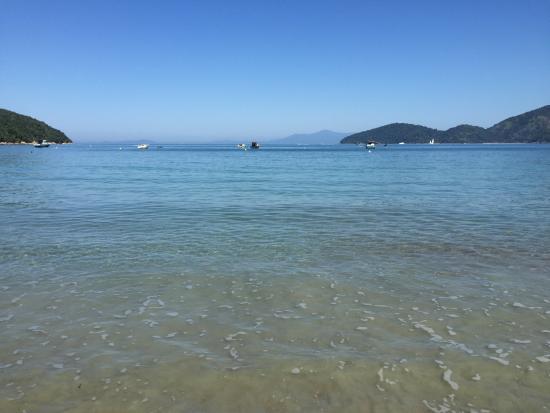 Hotel Porto Di Mare: A praia parece uma piscina. Foi isso que me encantou desde a primeira vez