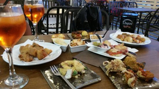 Aperitivo rinforzato foto di cafe 39 de paris catania - Pizzeria porte de versailles ...