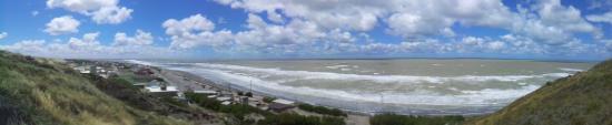 Balneario El Condor, Argentina: Mas playa