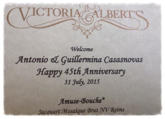 Victoria & Albert's: Great personalized details !