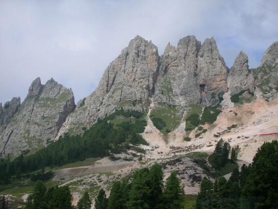 Hotel Armin : Some of the local mountains