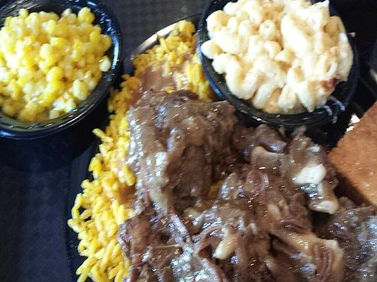 Braised Oxtail Picture Of Potters House Soul Food Bistro