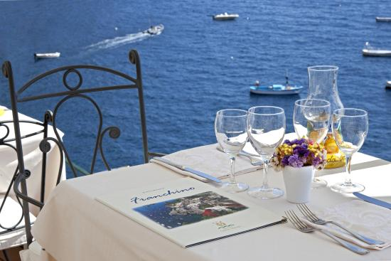 Ristorante Franchino: Restaurant outside seating with sea view