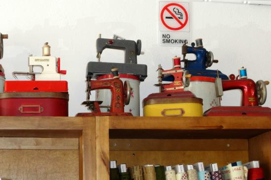 Hurricane, UT: antique toy sewing machines