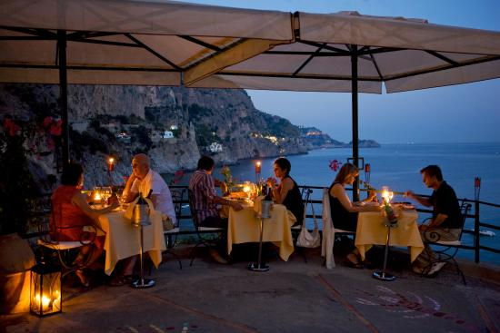Ristorante Franchino: Candlelit DINNER in panoramic terrace overlooking the sea