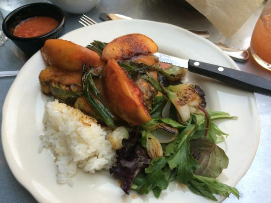 La Mo's Cafe : Pork Chop with Grilled Peaches