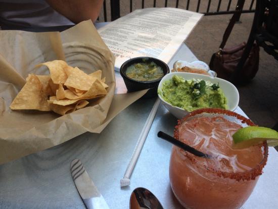La Mo's Cafe: Peach Habanero Margarita