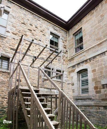 Cornwall, Canadá: Gallows in Courtyard
