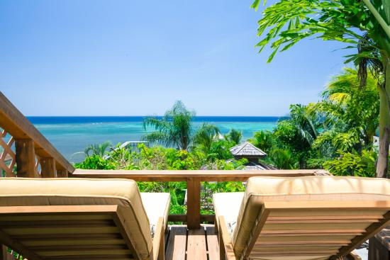 Tranquilseas Eco Lodge and Dive Center: ocean view cabanas - waiting for you