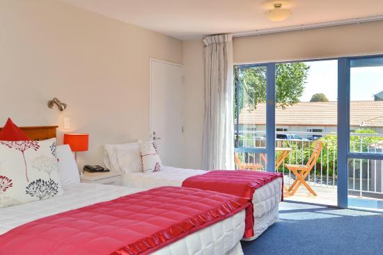 Addington Court Motel : QNS Studio