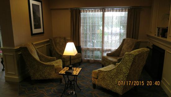 Hampton Inn Salem East-Electric Road: Reading Area w/Charging Station on First Floor
