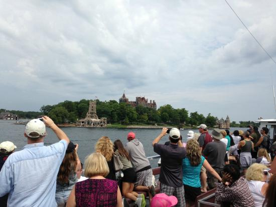 Gananoque, Canadá: 5 hour Boat Tour including Boldt Castle Stopover
