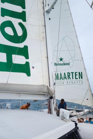 Simpson Bay (ทะเลสาบซิมป์สัน เบย์), เซนต์มาร์ติน / ซินท์มาร์เทิน: Under sail