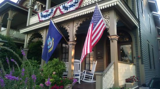 John Wesley Inn: Front Porch