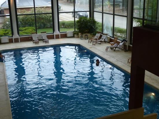 Amplia pileta cubierta picture of unique luxury for Hotel unique luxury calafate tripadvisor