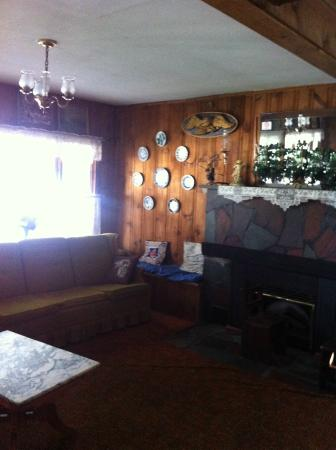 Edgewater Resort: living room in the Resort Inn