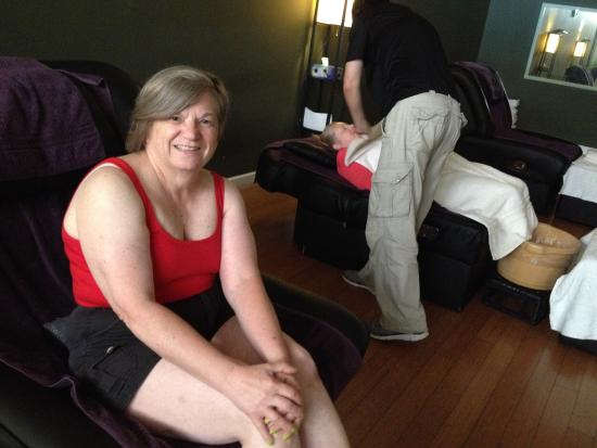 Deer Park, IL: Enjoying a trip to Cozy Feet with friends! Delightful