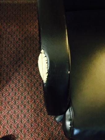 Quality Inn Midland: Chairs need work
