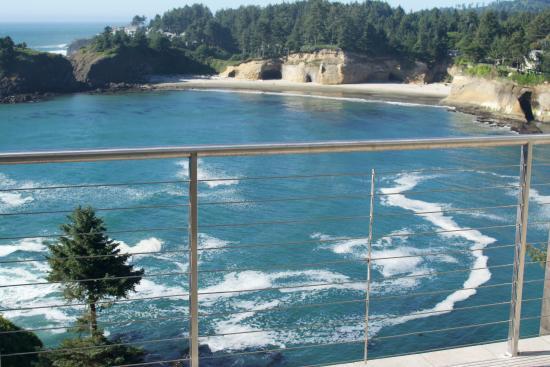 Depoe Bay, Орегон: Whale Cove view from balcony