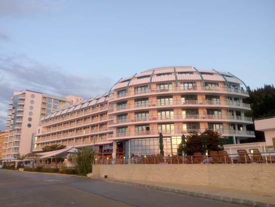 lti Berlin Golden Beach Hotel: ráno při svítání