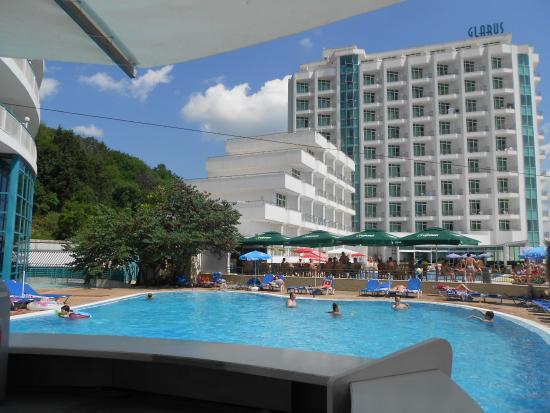 lti Berlin Golden Beach Hotel: hotelový bazén ,pohled od baru