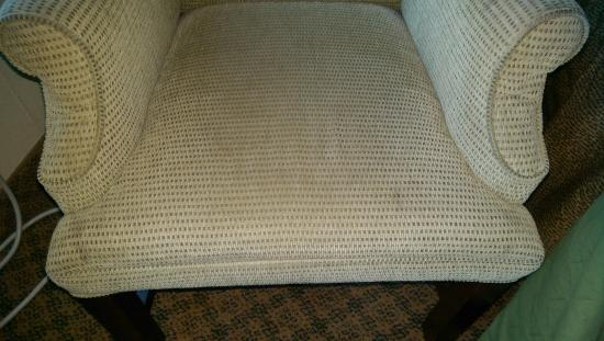 Newport News, VA: dirty side chair in room 102